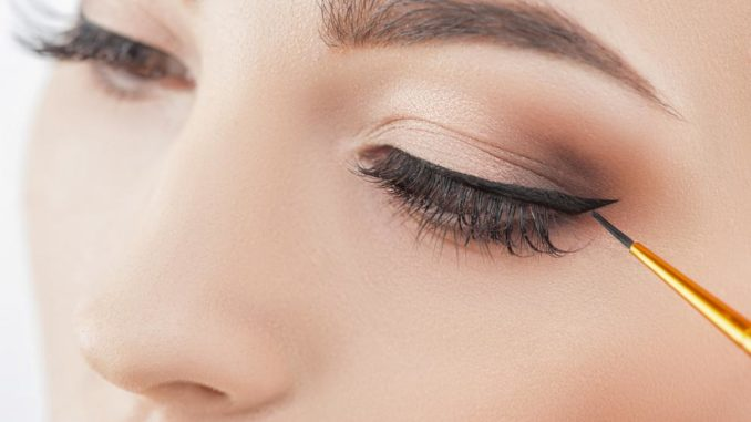 can i wear eye makeup with lash extensions